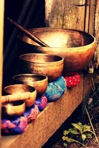 Campane tibetane per la guarigione energetica attraverso l'uso delle vibrazioni sonore