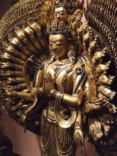 Avalokiteshvara il Dio della Nidra creativa Avalokiteshvara-stautua